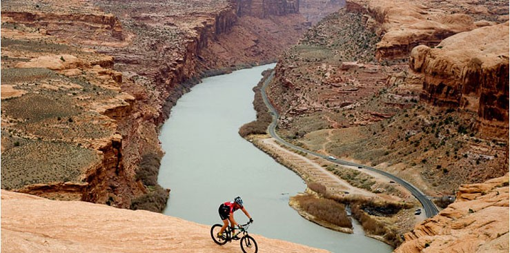 Mountain-Biking-Ridge-River-739x367