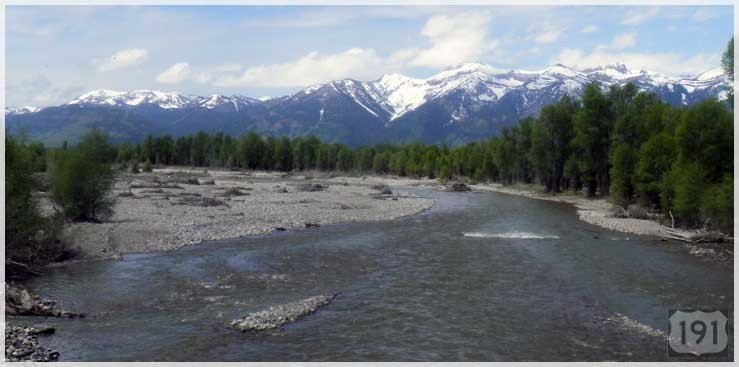 US191_river_mountains_snowcaps_739x367